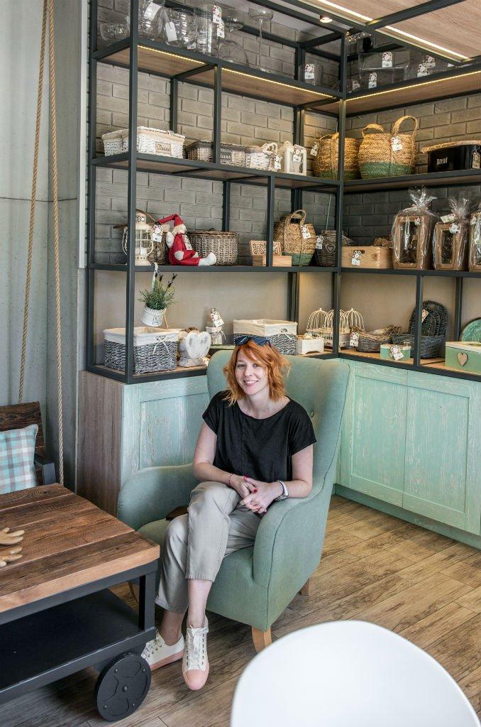 Kwiaciarnio Kawiarnia Na Huśtawce projektant